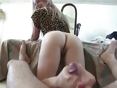 Hermana footjob dedos de los pies rosa