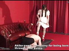 Japońska Femdom Sadistic Rich Girl i Perverted Butler
