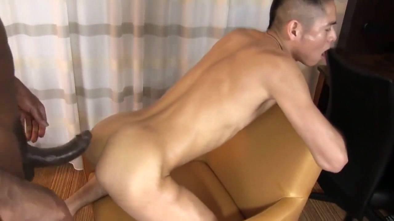 Порно парня переодели в девушку