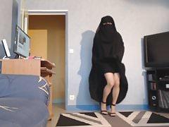 muzułmański topless w nikab i jilbab