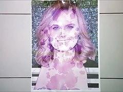 Emily Deschanel (Bones) cum tribute