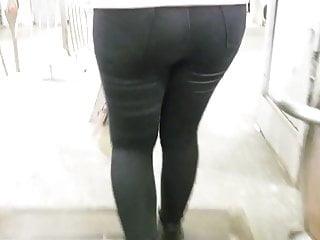 Brunettes Closeups Hidden Cams video: Pretty round ass