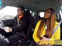 Fake Driving School Hot Ebony Jai James z ogromnymi cyckami