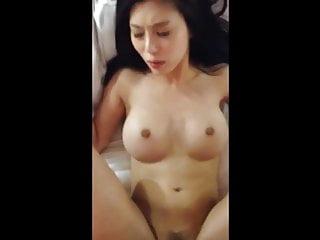 亚洲与大山雀变得性交