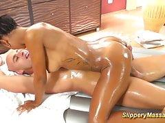 gorący śliski masaż nuru czekoladowym
