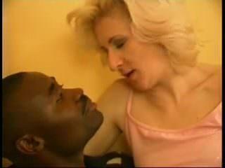 Порно женщину учат кончать лесбиянки