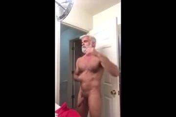 Девушка с верху во время секса видео