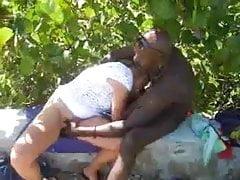 Un mec jamaïcain baise ma femme