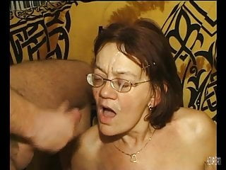 mature granny getting dildo'dPorn Videos