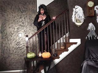 You Treat Elvira Mistress Will