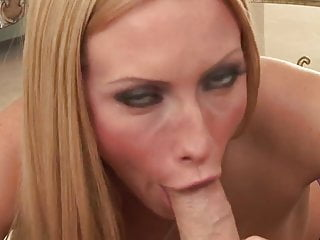 Beautiful strait down her throat just amazing...