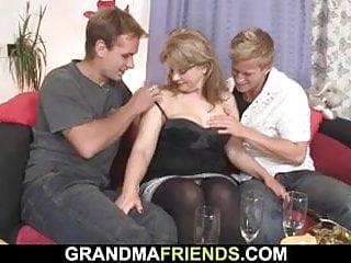 Nadržené maminky porno zdarma