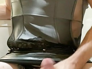 Cd latex slut spilling cum in shiny panties...