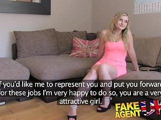 FakeAgentUK Hottie canadese cerca lavoro porno nel Regno Unito attraverso il sesso