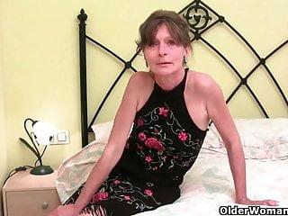 Anche le nonne britanniche devono scendere