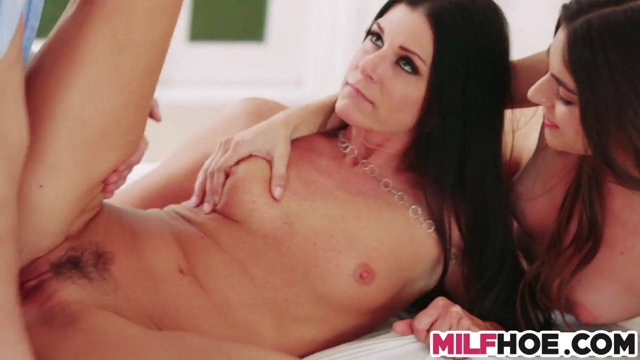Hot Latina Mom Gets Fucked