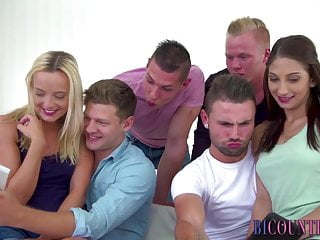 Bisexual group ride and suck cocks