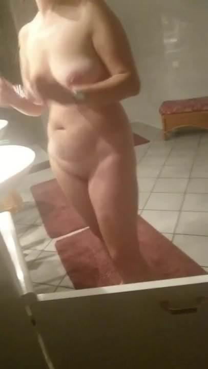 Nackt milf amateur