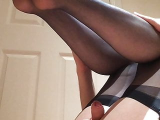 Wanking amp cums in navy blue stockings...