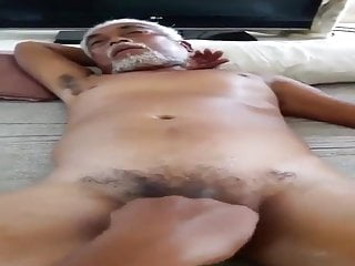 Indo Daddy Handjob