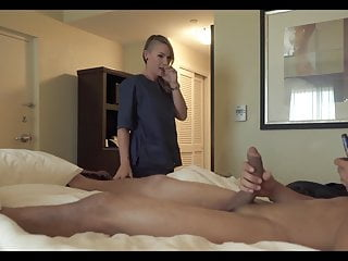 Hotel maid can rsquo t resist flashed cock...