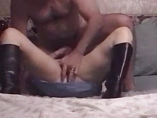 Amateur couple, wife in boots