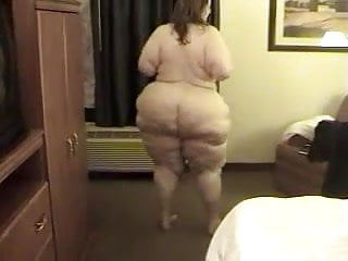 Solo 68 ssbbw showing off her big thunder...