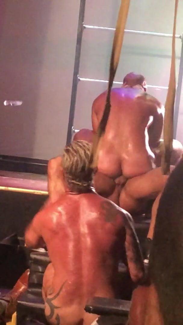 Gay seks show uživo