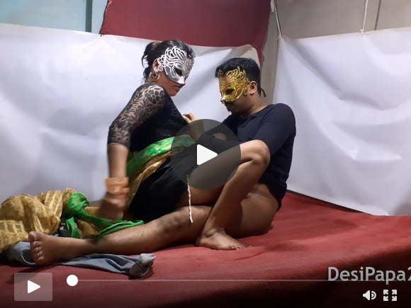 देसी युगल किसी न किसी जुनून भारतीय बेडरूम में कमबख्त