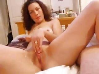 auntie fingers her wet clit