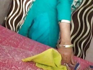 INDIAN SEXY MOM BIG ASS WALI SEXY MOM