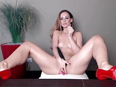mature beauty in red high heels smokes Porn Videos