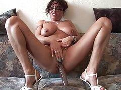 Deutsches Amateur Casting, heisser Latina Cougar