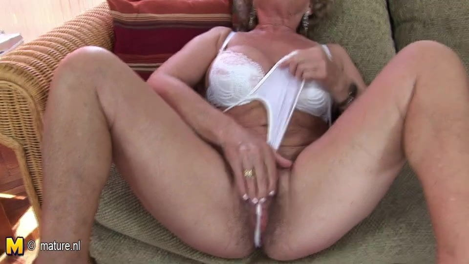 Mature Rides A Mean Dick And Gets Creamy Butt Mean Real