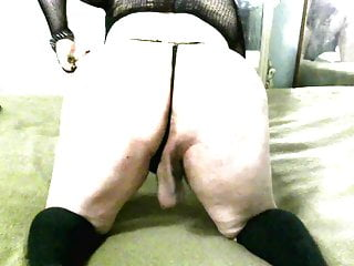 Nely sissy culona bitch self cum tranny shemale...