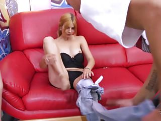 Fakeshooting busty house wife love fake agent039s big cock