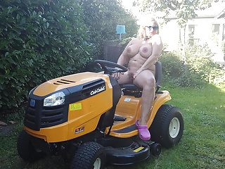 nude in my gardenPorn Videos