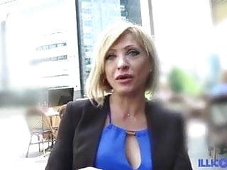 पत्नी बालों वाली मलाईदार बिल्ली गड़बड़
