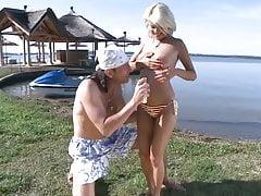 Draussen am See kann man ungestoert kuscheln