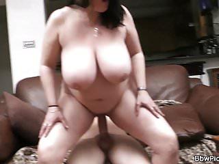 Raccoglie ragazze grasse per il sesso