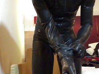 New latex gloves (from RubberFashion, M size)