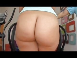 Briella Bounce big ass walking on treadmill