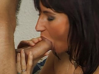 Hausfrau als Fickobjekt benutzt - Mega Milf fuck - Bild 6