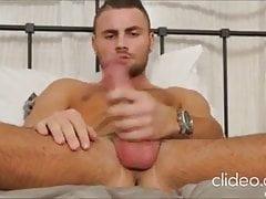 Jeffrey Lloyd bed show