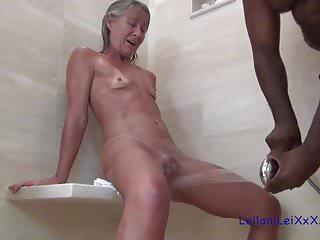 Leilani Lei ottiene Wet n Wild con Big Max