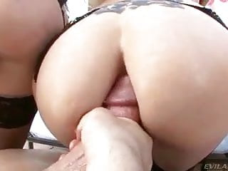 anal na loira e morena