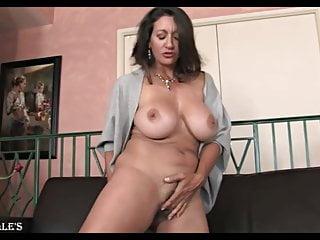 Persia Monir – Fiery Cougar!