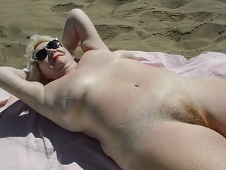 Goldenpussy 62 sun and nude