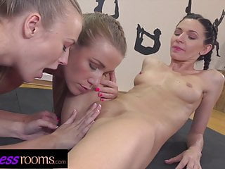 Fitness rooms centipede pussy eating...