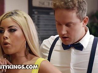 Sneaky Intercourse – Bridgette B – Cocktail Tease – Actuality Kings